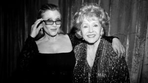 Carrie Fisher és Debbie Reynolds utolsó közös filmje! Itt a Bright Lights előzetese