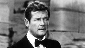 Elhunyt Roger Moore
