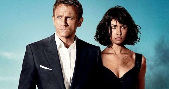 Egy James Bond-lány is megfertőződött a koronavírussal