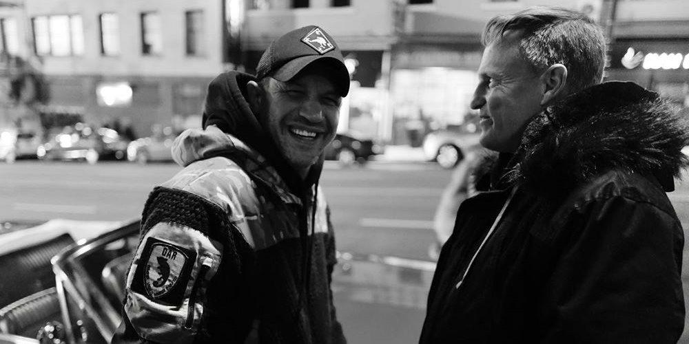 Tom Hardy és Woody Harrelson együtt pózolnak, hamarosan jön a Venom 2!