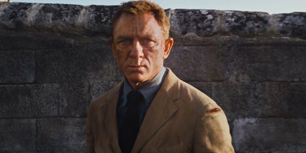Pár napjakértékJames Bond-rajongók a film gyártóit, hogy fújják le a legújabb Bond-film, a Nincs idő meghalni bemutatóját.