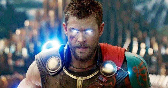 Egy valóságos izomkolosszussá gyúrta magát Chris Hemsworth a Thor 4-re