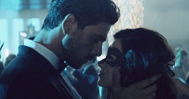 Hatalmas botrányt kavart a Netflix új erotikus filmje
