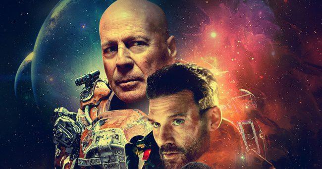 Befutott az első előzetes Bruce Willis űrlényes mozijához!