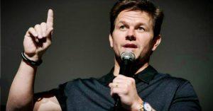 """""""Minden napomat imádkozással kezdem és imádkozással fejezem be"""" - Mark Wahlberg"""