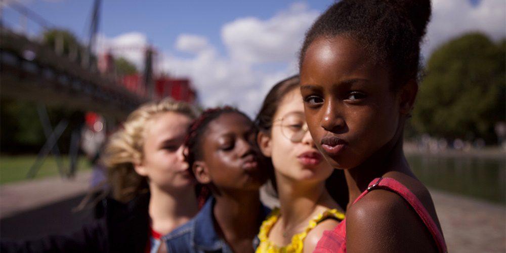 """Hatalmas botrányt kavart a Netflix 11 éves """"érzéki táncos"""" gyerekekről készült filmje"""