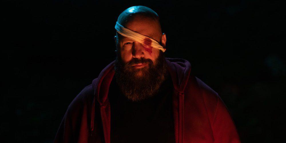 """Kevin James, mint rosszarcú """"Nagyfiú""""   Kritika: Becky (2020)"""