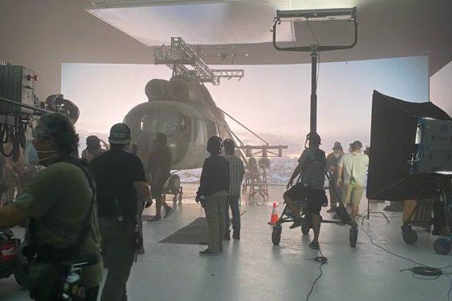 Red Notice: Ryan Reynolds, Dwayne Johnson és Gal Gadot közös filmmel jelentkezik