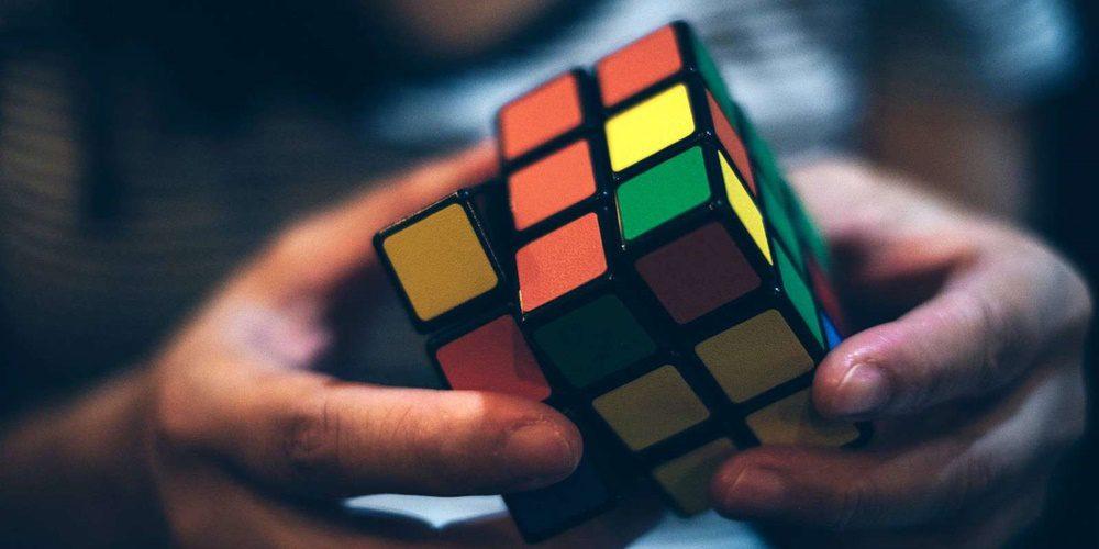 Filmet készítenek a bűvös Rubik-kockáról