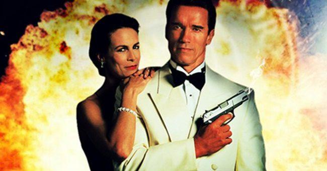 Arnold Schwarzenegger-el jöhet a Két tűz között 2?