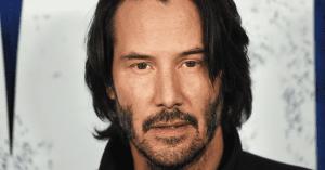 Keanu Reevest rengeteg fájdalom érte, de van egy furcsa szokása, amitől csak még jobban tiszteljük