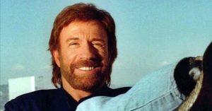 Döbbenet! Chuck Norris-sal durván elbántak a plasztikai beavatkozások