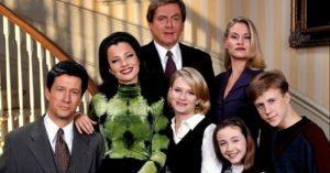 Akkor és most: Így festenek A dadus c. sorozat színészei napjainkban