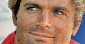 Terence Hill friss fotókon: az igézően kék szemű legenda 82 évesen is remekül néz ki